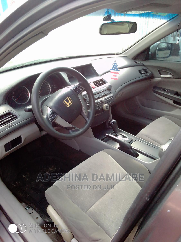 Archive: Honda Accord 2008 2.0 Comfort Gray