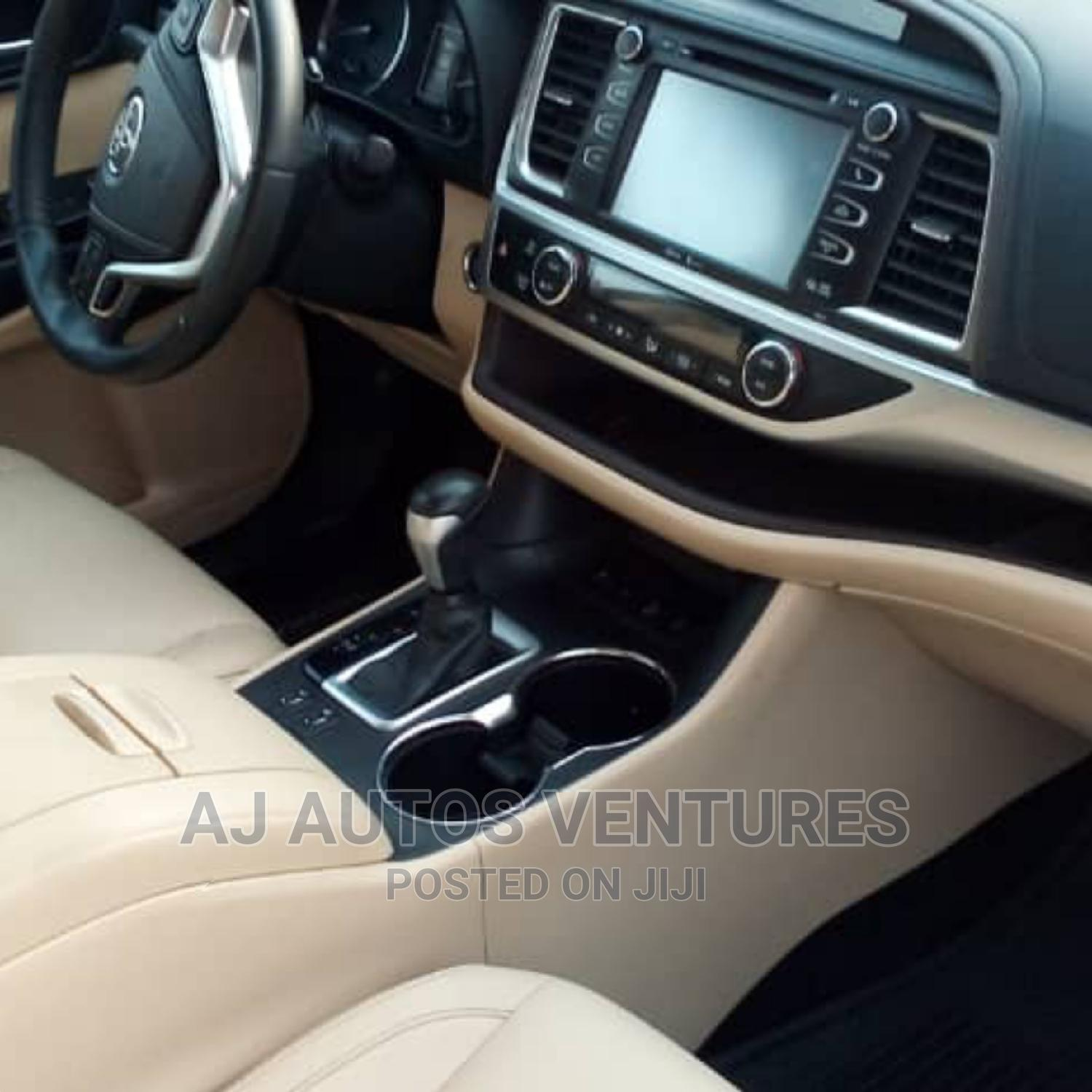 Toyota Highlander 2015 Red   Cars for sale in Ogba, Lagos State, Nigeria