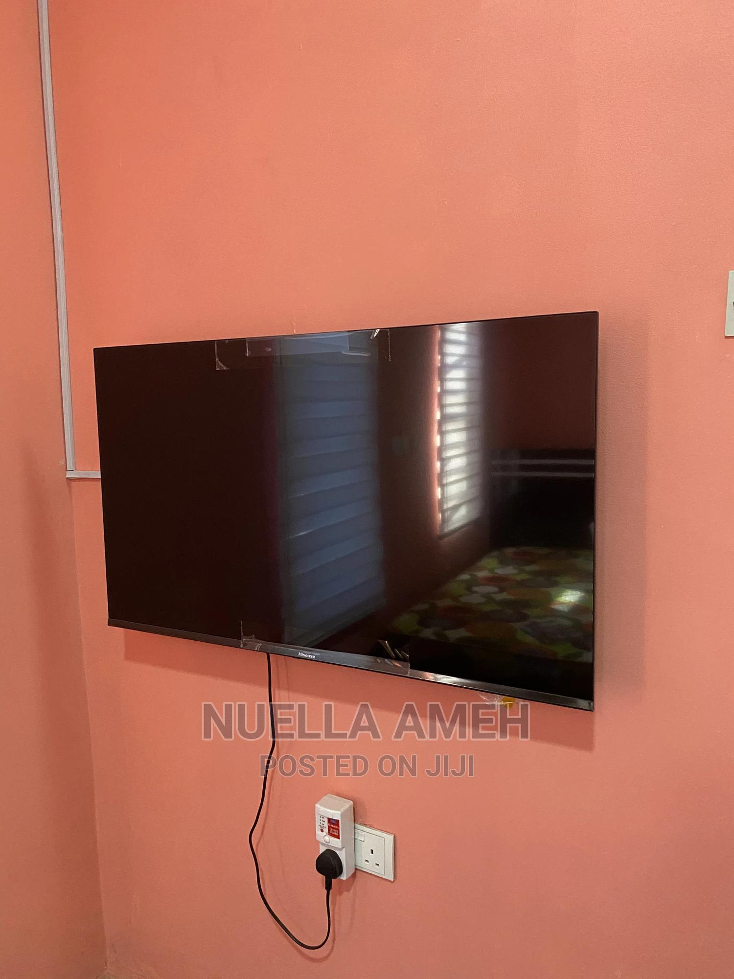 Brand New Hisense 43 Inch Smart Tv.