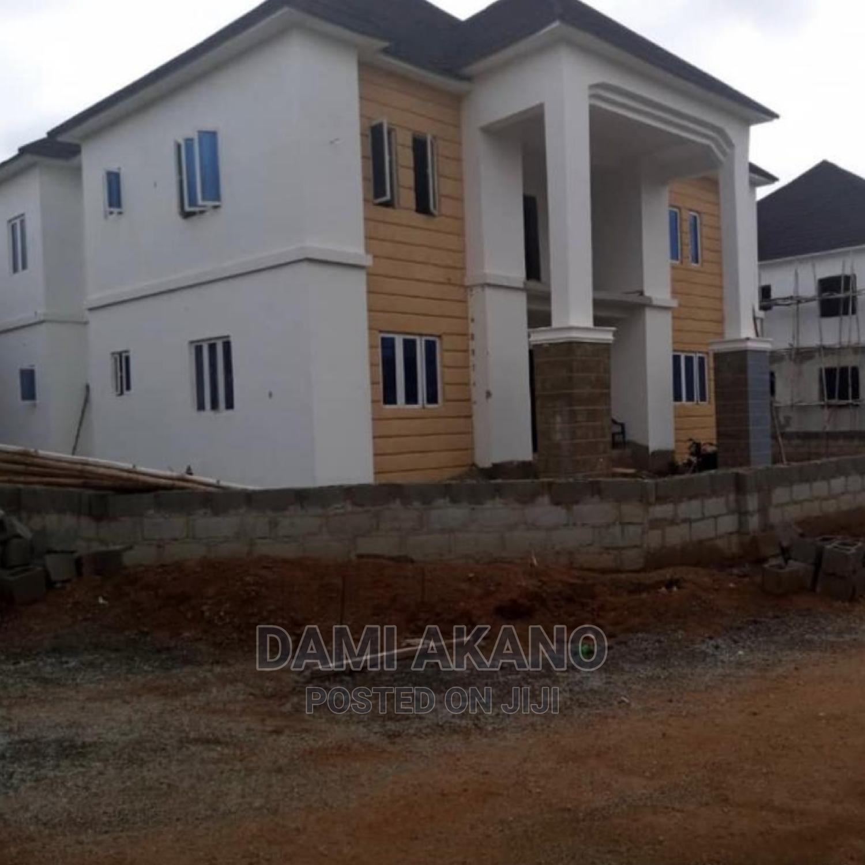 4bdrm Duplex in Gwarinpa for Sale
