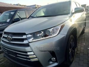 Toyota Highlander 2017 XLE 4x2 V6 (3.5L 6cyl 8A) Silver   Cars for sale in Lagos State, Lekki
