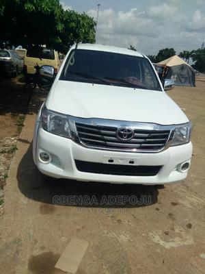 Toyota Hilux 2013 White | Cars for sale in Abuja (FCT) State, Central Business District