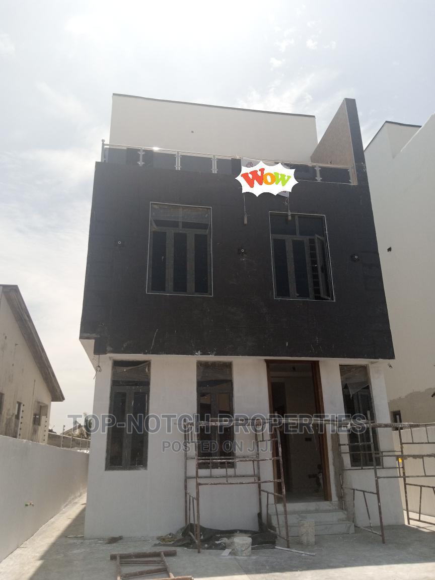 5bdrm Duplex in Idado for Sale