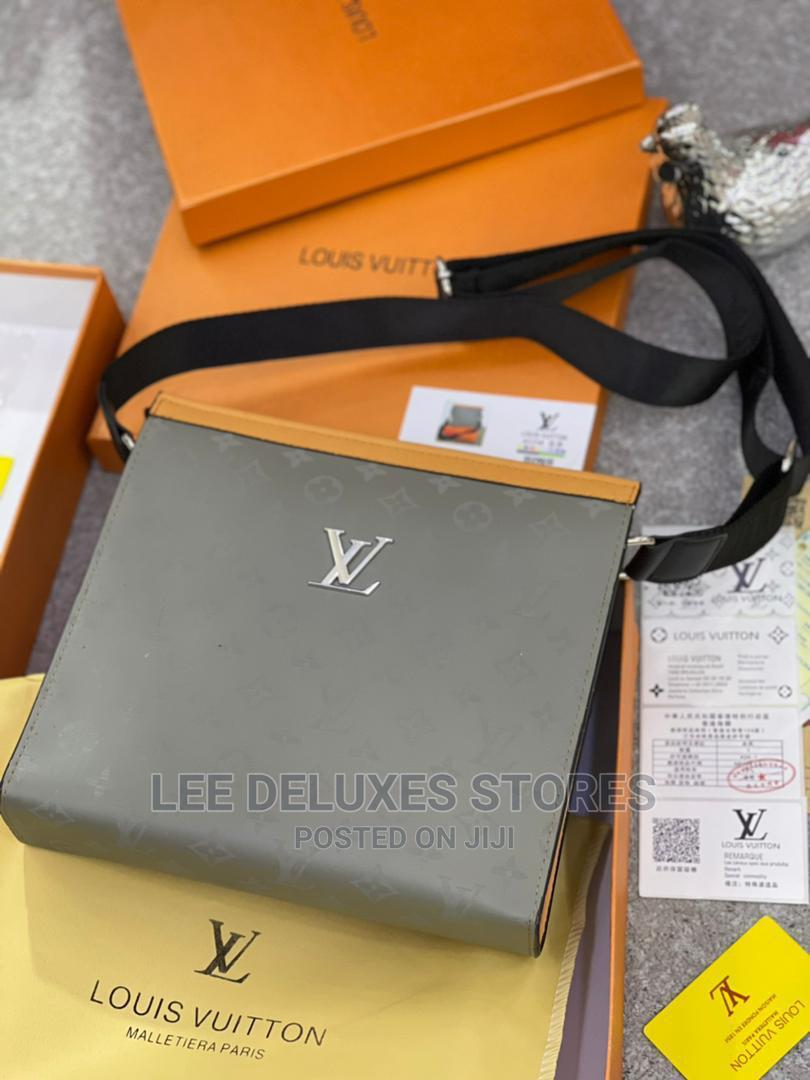 Archive: Quality Luxury Shoulder Bags