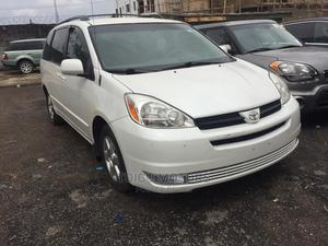 Toyota Sienna 2005 LE AWD White   Cars for sale in Lagos State, Maryland