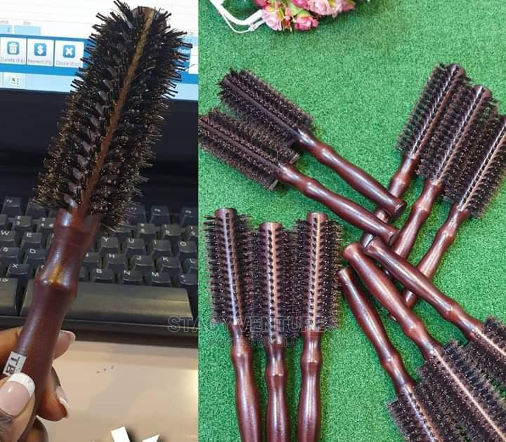 Detangling Hair Brush | Tools & Accessories for sale in Surulere, Lagos State, Nigeria