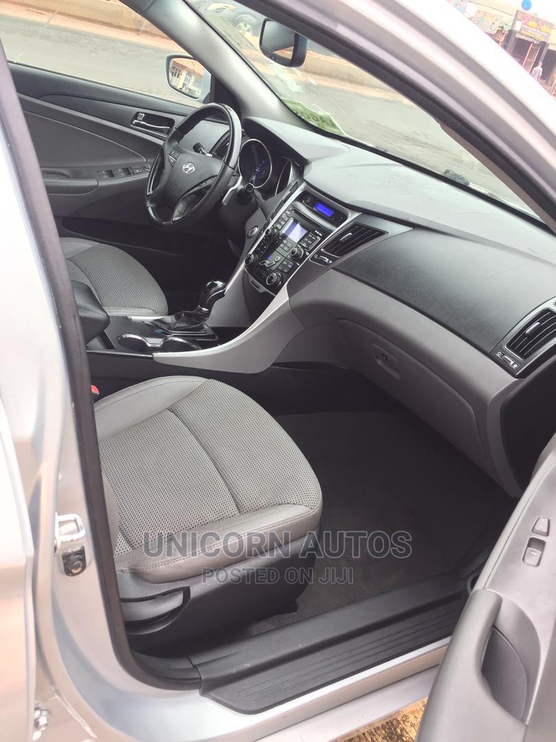 Archive: Hyundai Sonata 2012 Silver