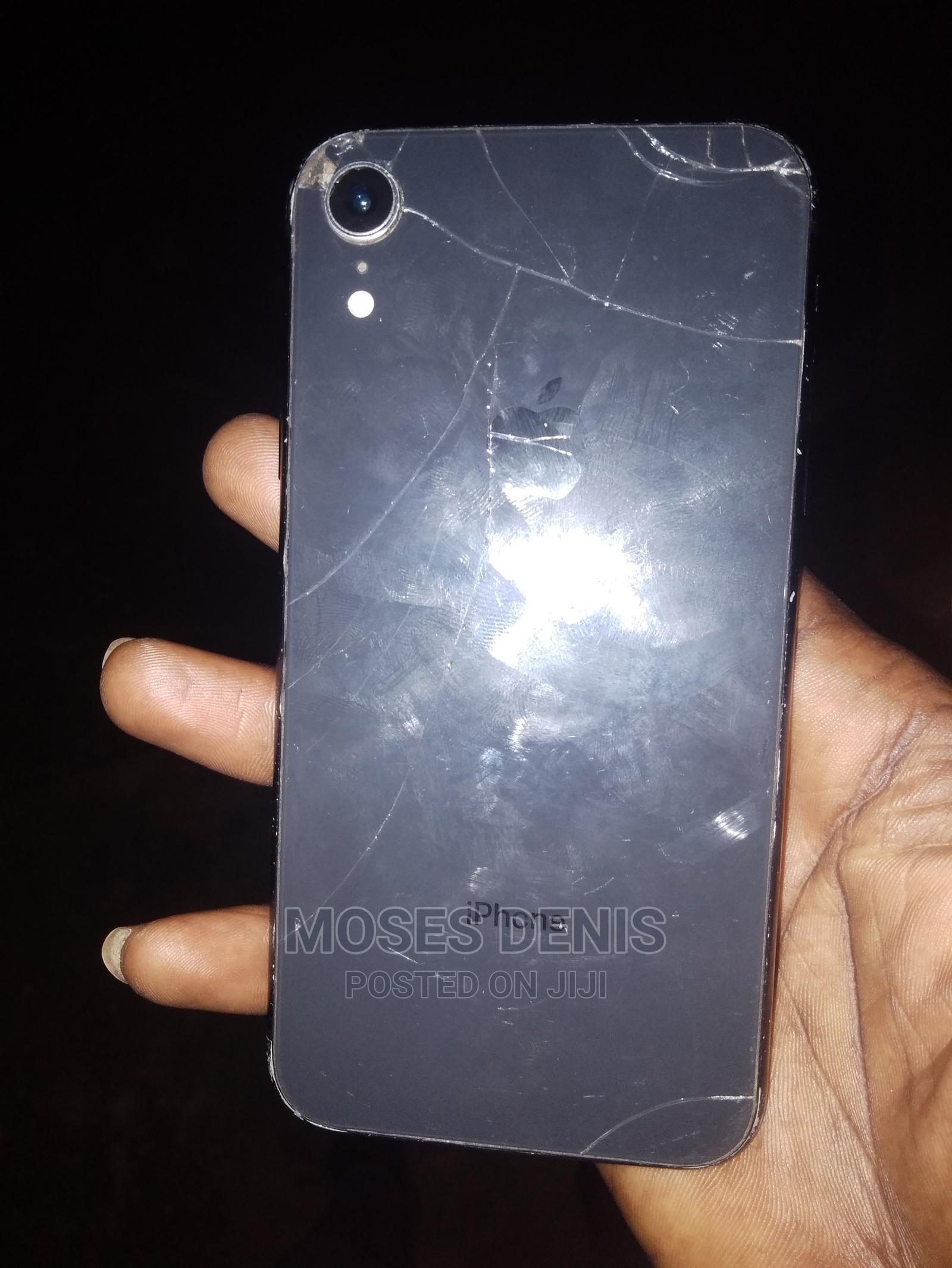 Archive: Apple iPhone XR 64 GB Black