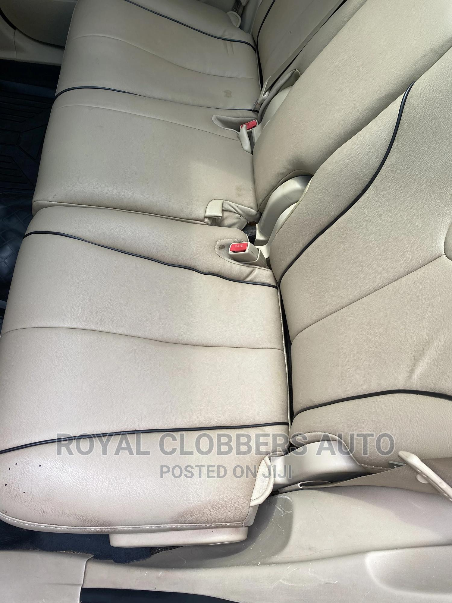 Archive: Toyota Venza 2009 V6 Red