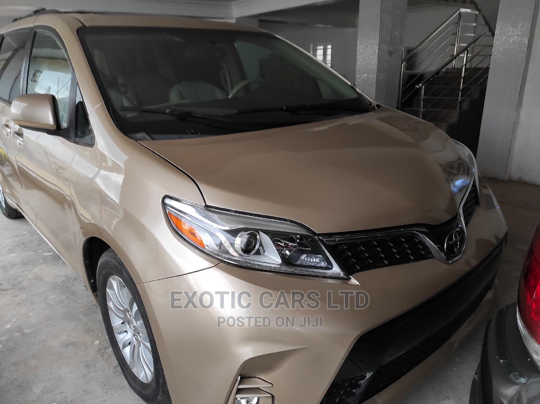 Toyota Sienna 2012 XLE 8 Passenger Gold
