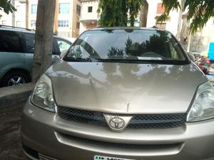 Toyota Sienna 2005 XLE Silver   Cars for sale in Lagos State, Amuwo-Odofin