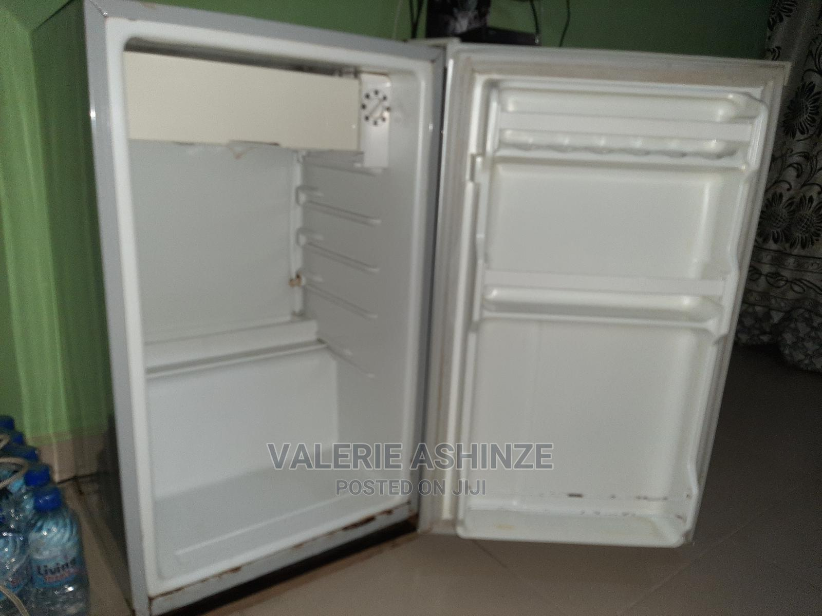 Archive: LG Refridgerator 4sale