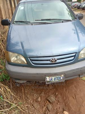 Toyota Sienna 2002 LE Beige | Cars for sale in Edo State, Benin City