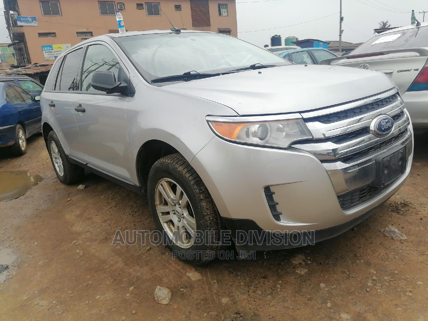 Archive: Ford Edge 2011 Silver