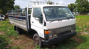 Sound Toyota Dyna 300, 6tyres   Trucks & Trailers for sale in Abuja (FCT) State, Dei-Dei