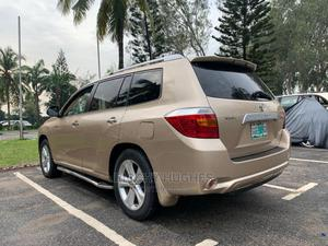 Toyota Highlander 2008 Limited 4x4 Gold | Cars for sale in Lagos State, Ajah