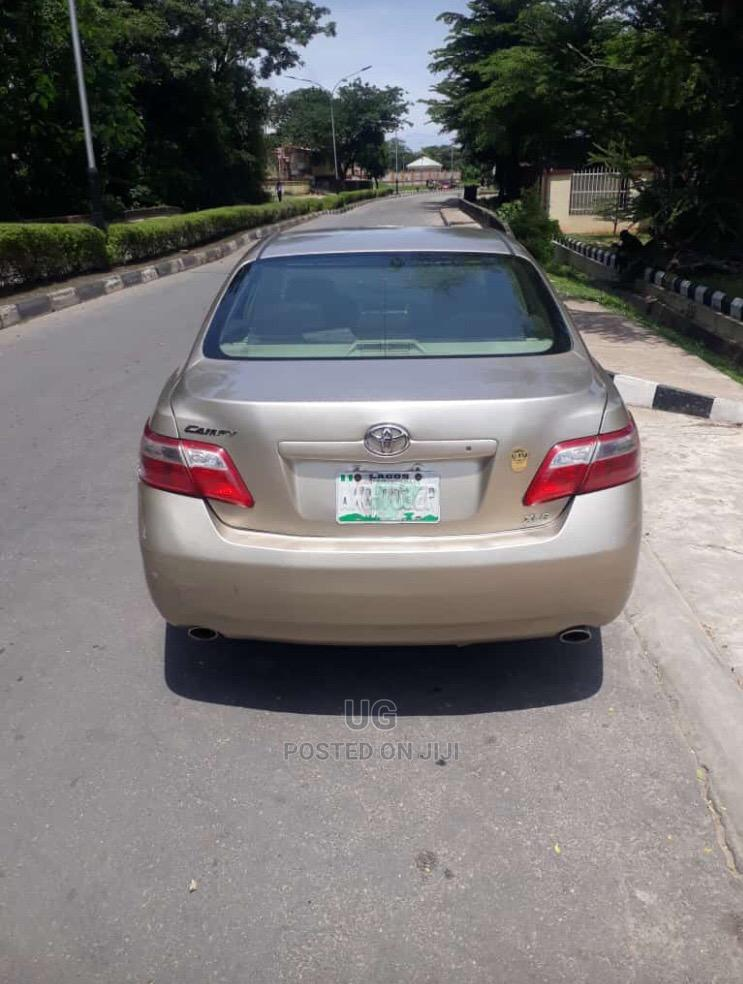 Archive: Toyota Camry 2008 Gold