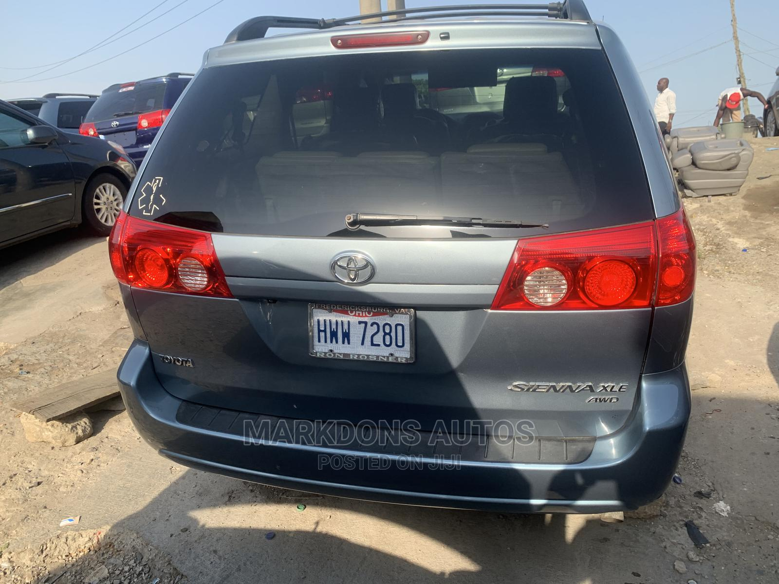 Toyota Sienna 2006 XLE Limited AWD Blue | Cars for sale in Apapa, Lagos State, Nigeria