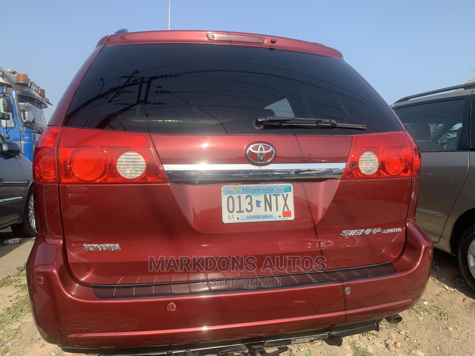 Toyota Sienna 2009 XLE Limited AWD Red   Cars for sale in Apapa, Lagos State, Nigeria
