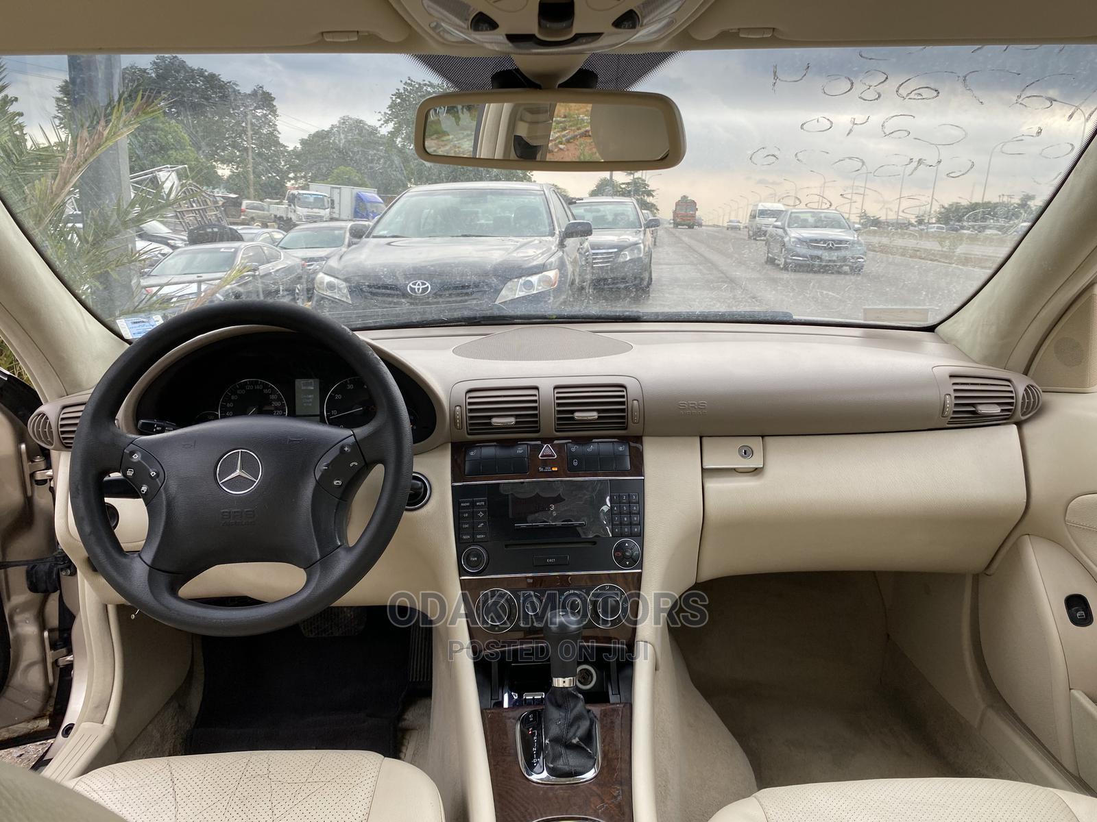 Mercedes-Benz C240 2005 Gold | Cars for sale in Gwarinpa, Abuja (FCT) State, Nigeria