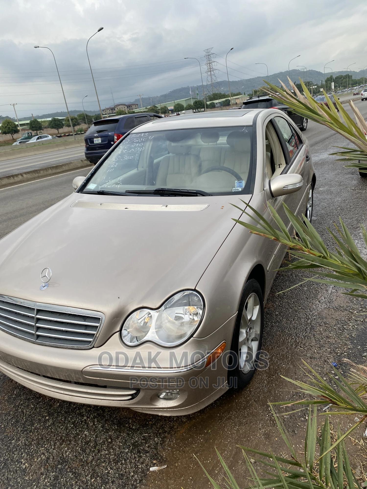 Mercedes-Benz C240 2005 Gold