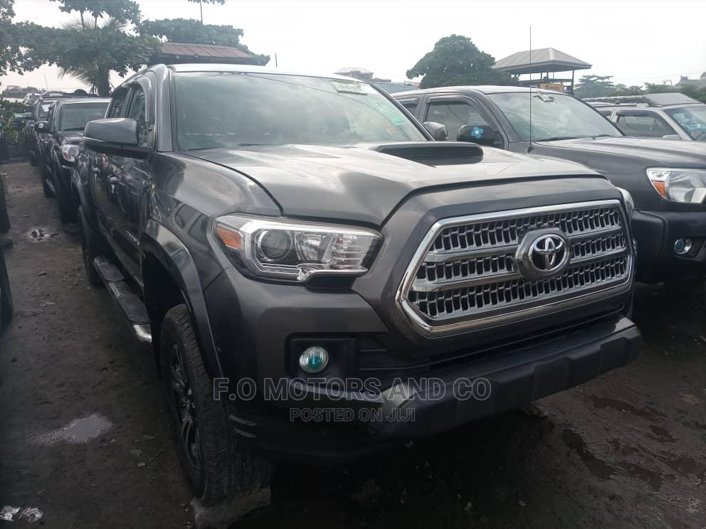 Toyota Tacoma 2016 4dr Double Cab Gray | Cars for sale in Apapa, Lagos State, Nigeria