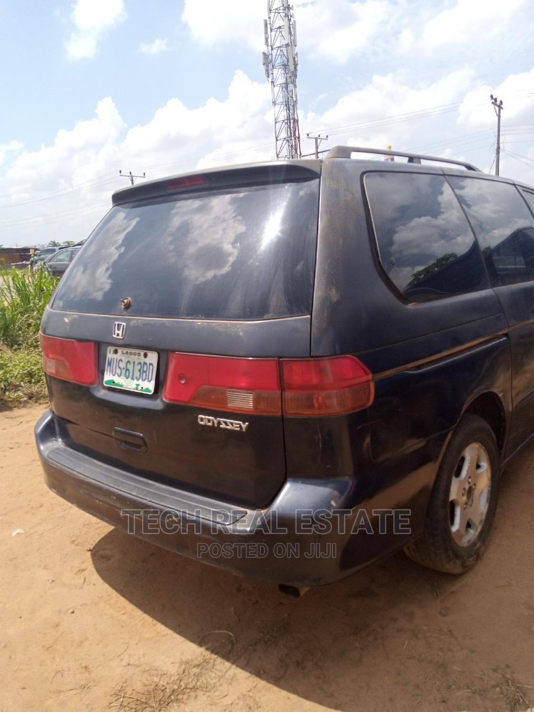 Archive: Honda Odyssey 2001 LX Blue