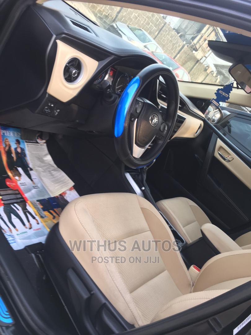 Archive: Toyota Corolla 2018 LE (1.8L 4cyl 2A) Black