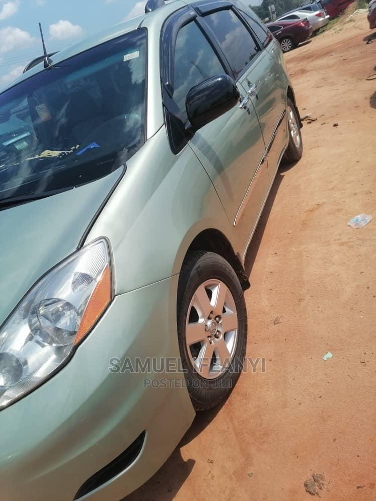 Archive: Toyota Sienna 2008 LE AWD Green