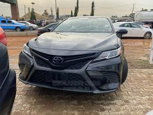 Toyota Camry 2018 SE FWD (2.5L 4cyl 8AM) Black | Cars for sale in Lagos State, Lekki