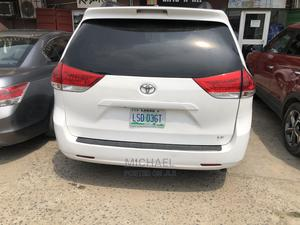 Toyota Sienna 2012 LE 8 Passenger White   Cars for sale in Lagos State, Ikeja