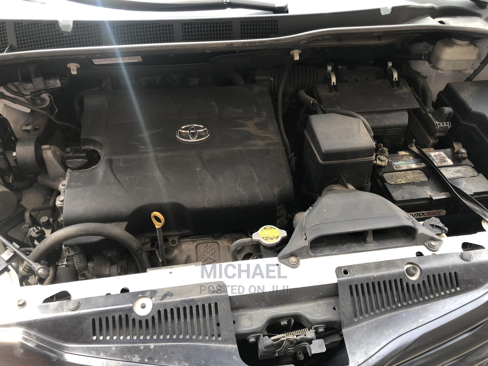 Toyota Sienna 2012 LE 8 Passenger White   Cars for sale in Ikeja, Lagos State, Nigeria
