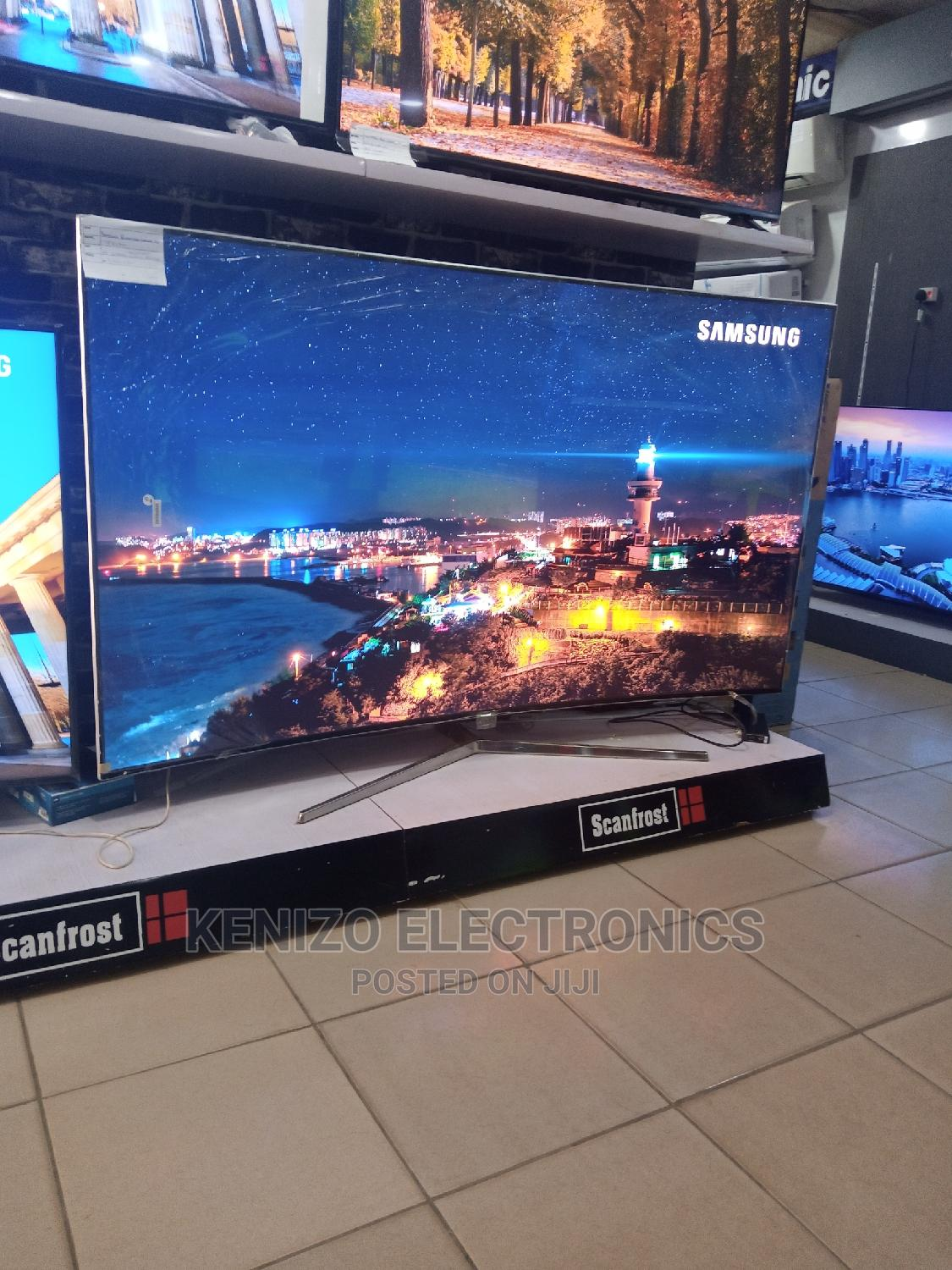 Samsung Qwantum Curved TV 78 Inches 78ks 900