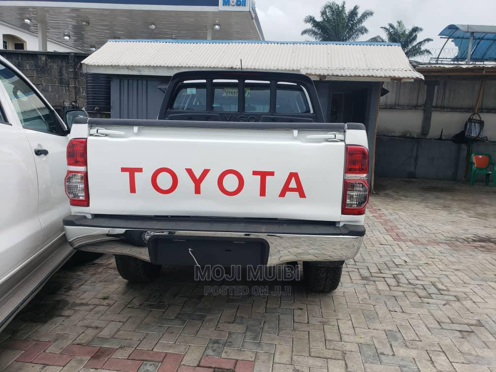 Archive: Toyota Hilux 2014 White