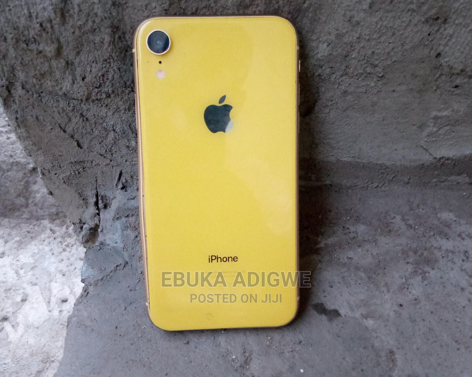 Archive: Apple iPhone XR 128 GB Yellow