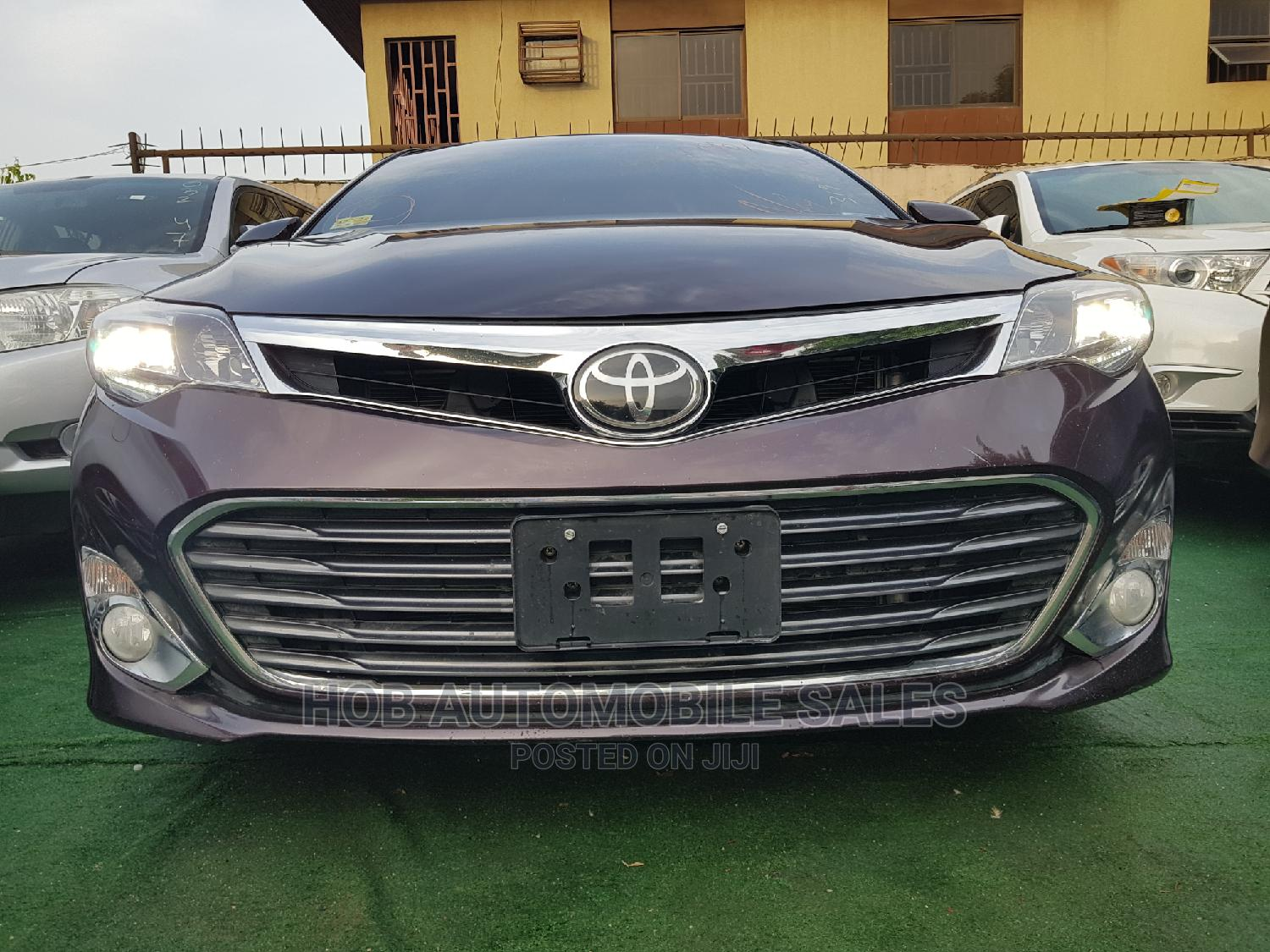 Archive: Toyota Avalon 2013 Brown