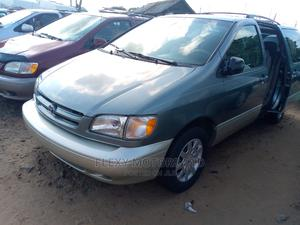 Toyota Sienna 2000 XLE & 1 Hatch Gray   Cars for sale in Lagos State, Apapa
