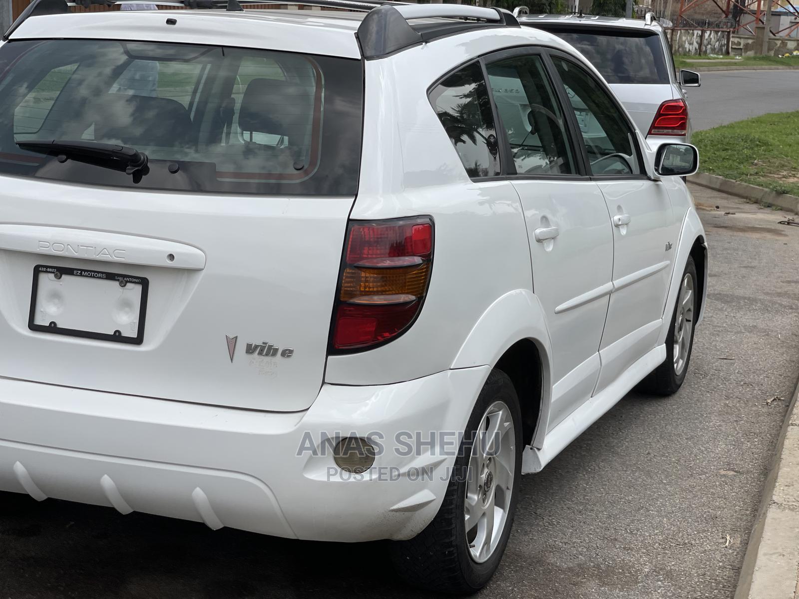 Archive: Pontiac Vibe 2004 Automatic White