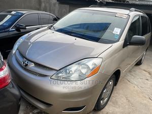 Toyota Sienna 2006 LE AWD Gold   Cars for sale in Lagos State, Maryland