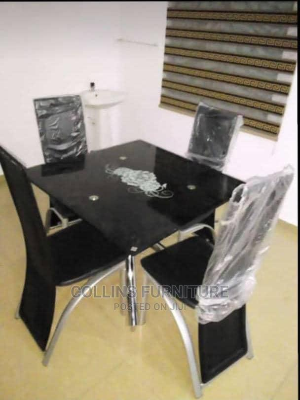 Set Off Dining Table