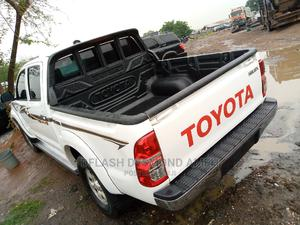 Toyota Hilux 2015 SR 4x4 White | Cars for sale in Abuja (FCT) State, Lokogoma