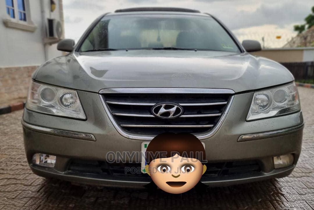 Archive: Hyundai Sonata 2009 Silver