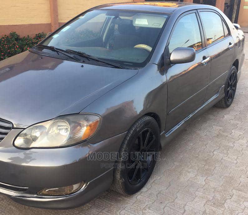 Archive: Toyota Corolla 2003 Sedan Gray