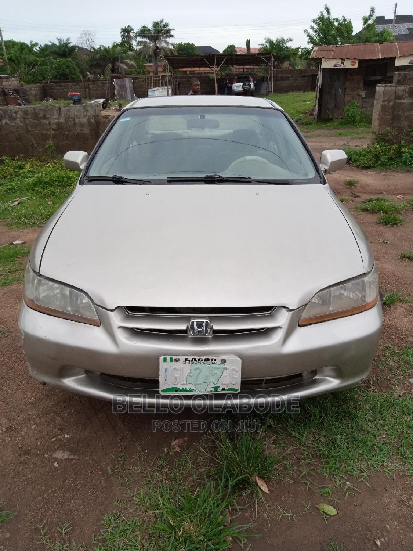 Archive: Honda Accord 1998 Silver