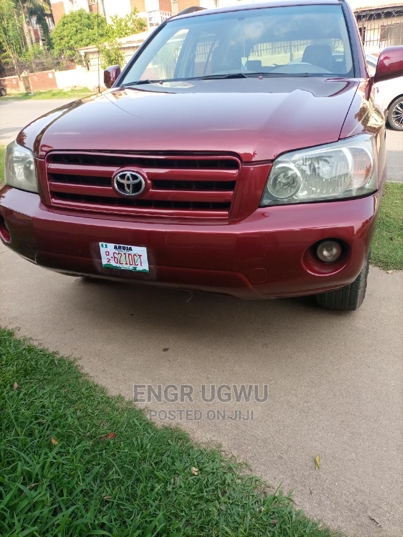 Archive: Toyota Highlander 2005 Red