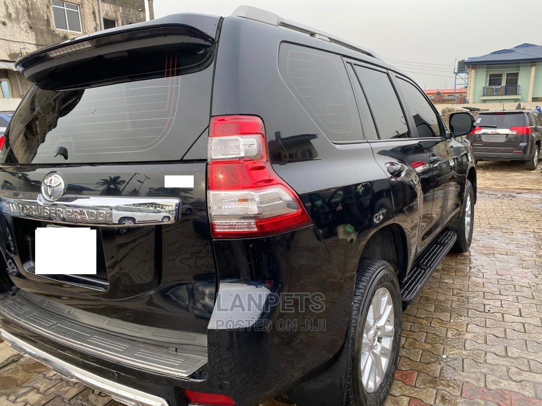 Archive: Toyota Land Cruiser Prado 2016 Black