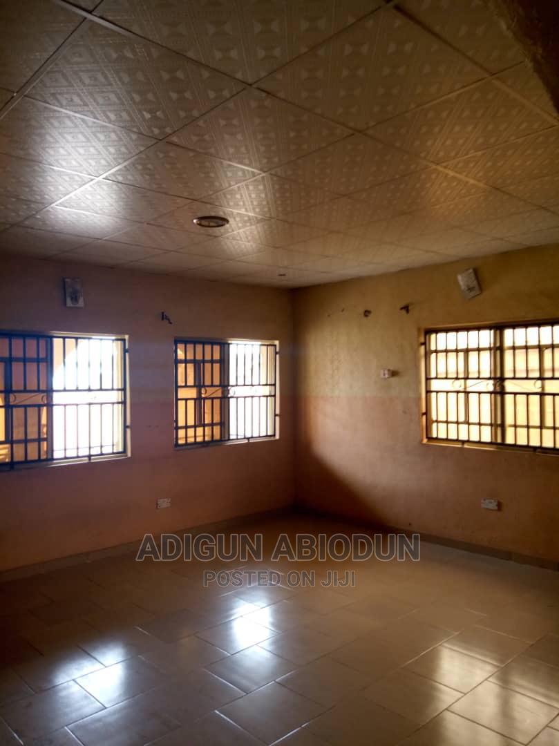 Archive: 3bdrm Bungalow in Kasunmu Estate, Ibadan for Rent