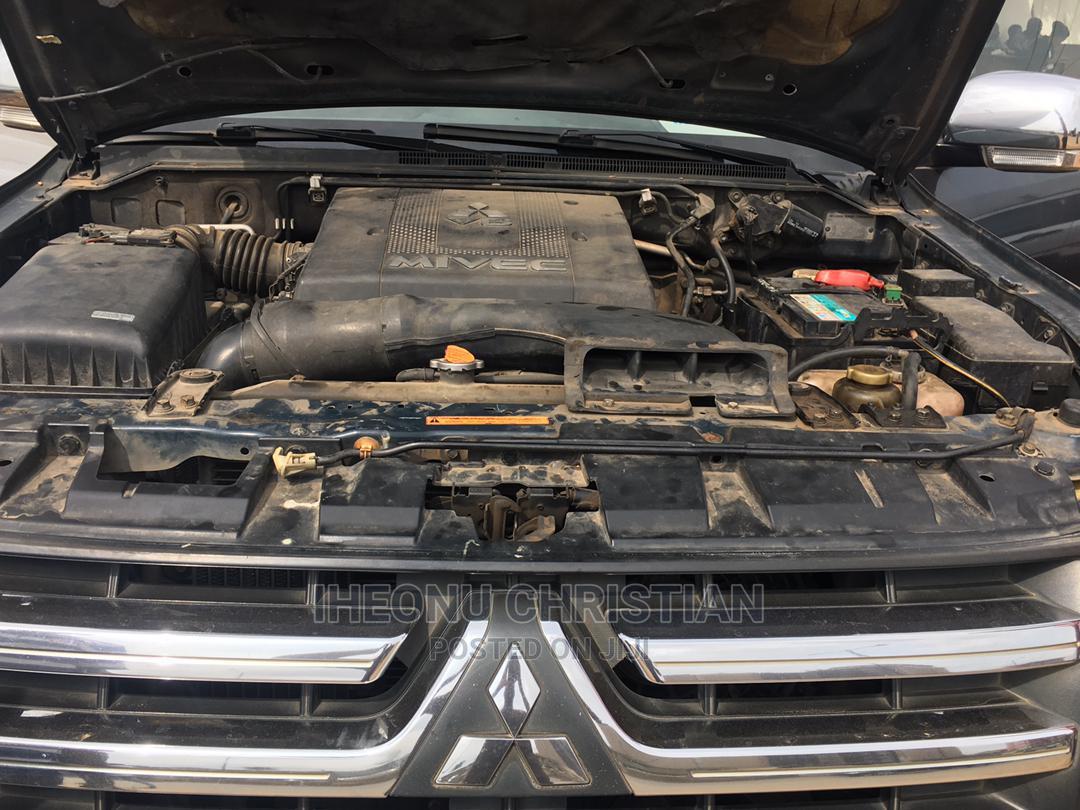 Mitsubishi Pajero 2009 3.8 V6 GLS/GLX Gray | Cars for sale in Oshodi, Lagos State, Nigeria