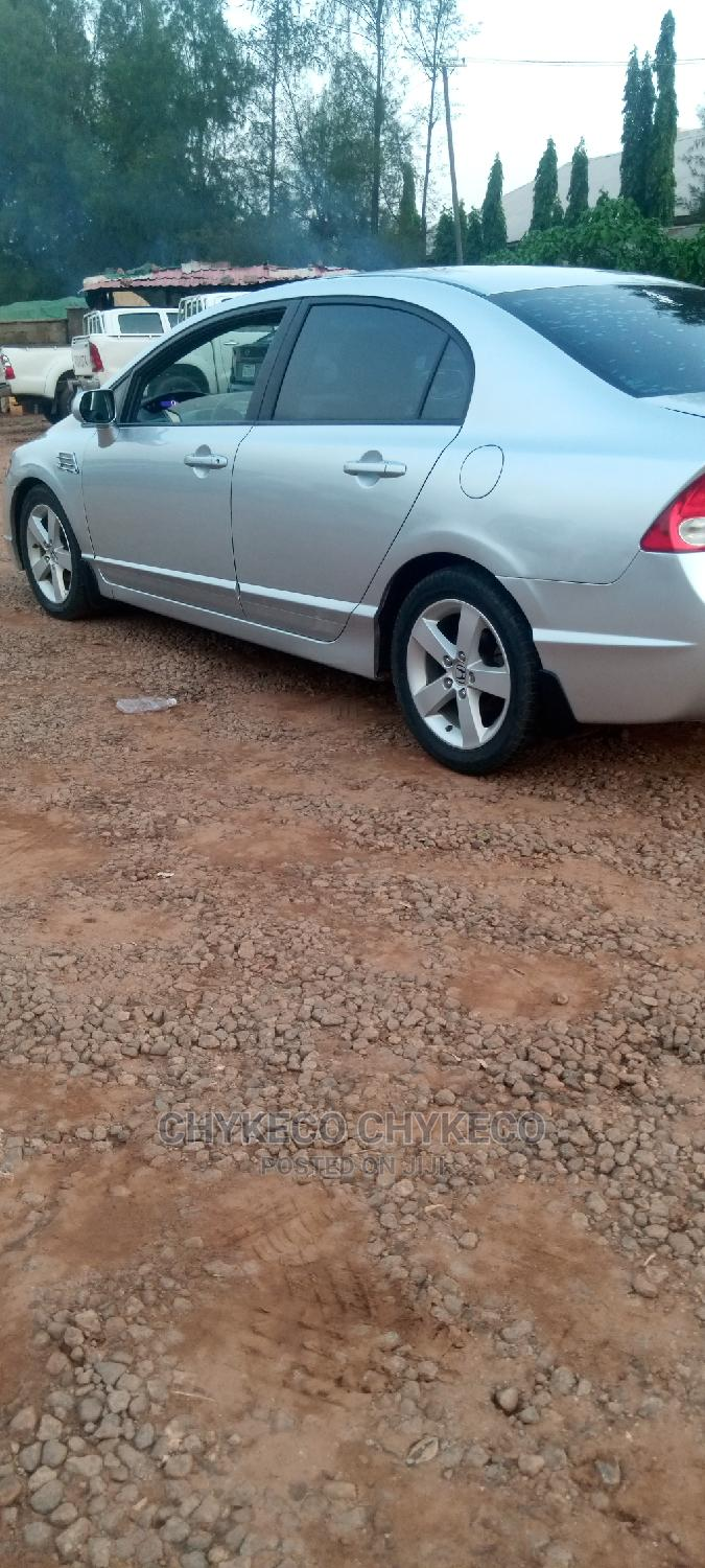 Honda Civic 2009 1.8i VTEC Automatic Gray   Cars for sale in Central Business Dis, Abuja (FCT) State, Nigeria