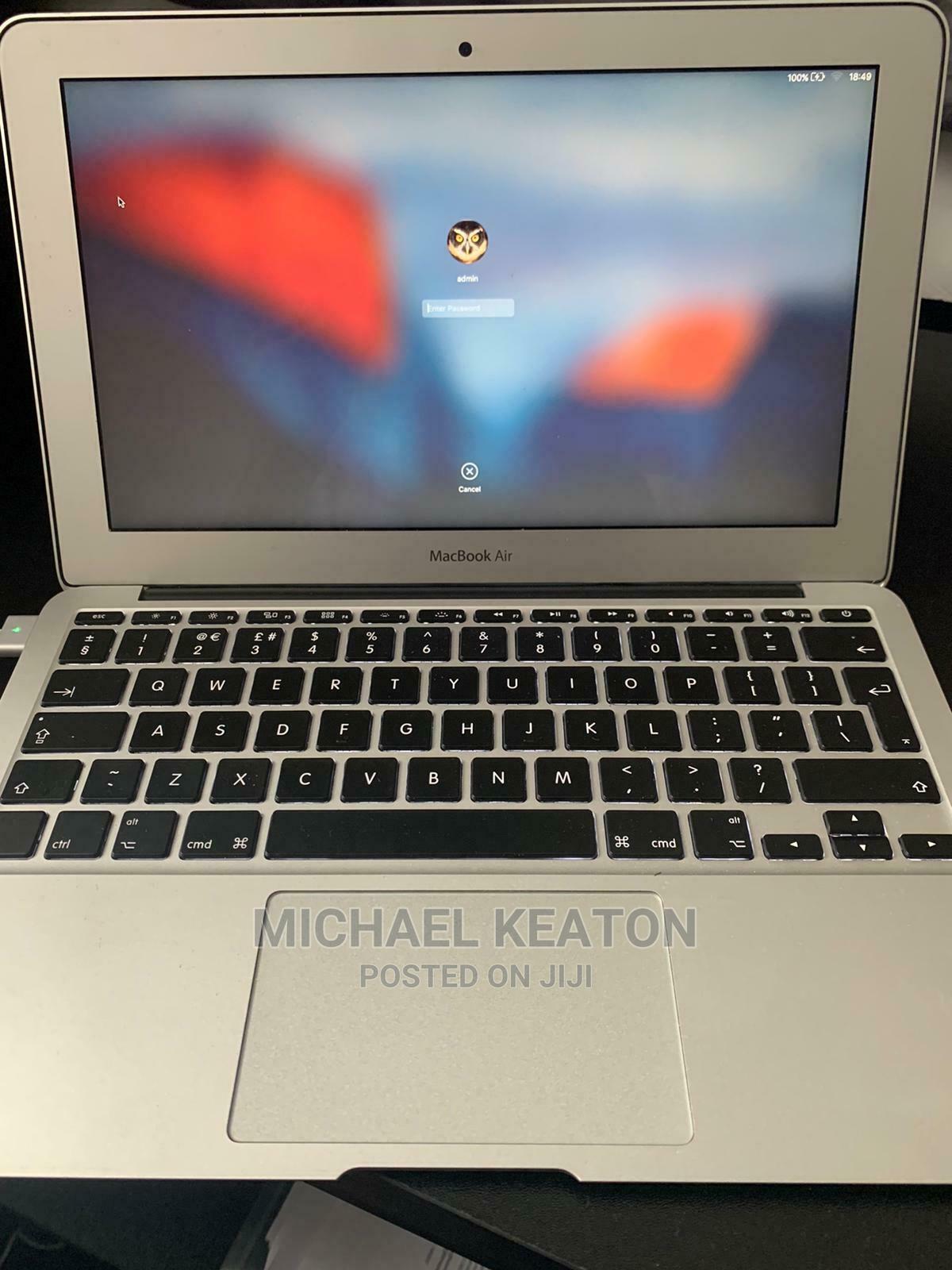 Archive: Laptop Apple MacBook Air 4GB Intel 128GB